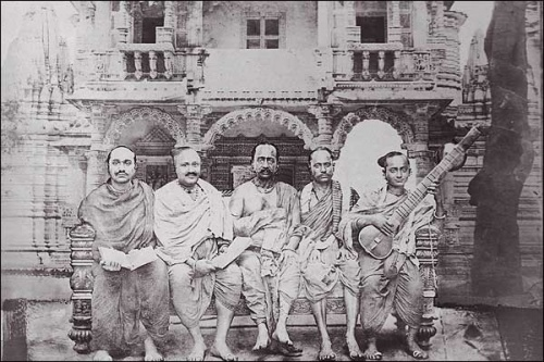 A group from Vaishnava, a sect founded by a Hindu mystic. His followers are called Gosvami-maharajahs
