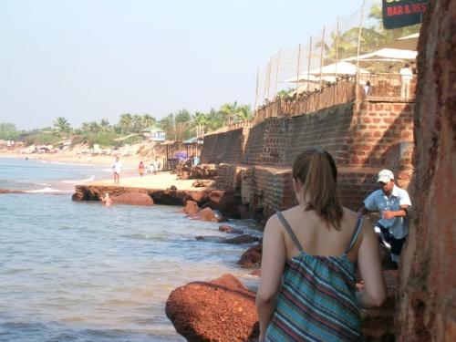 Переход на пляж с южной стороны форта