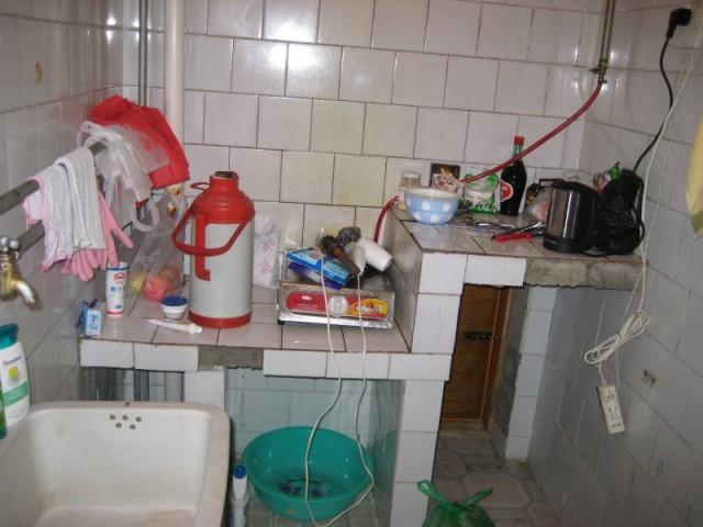 кухоньку уже отмыла