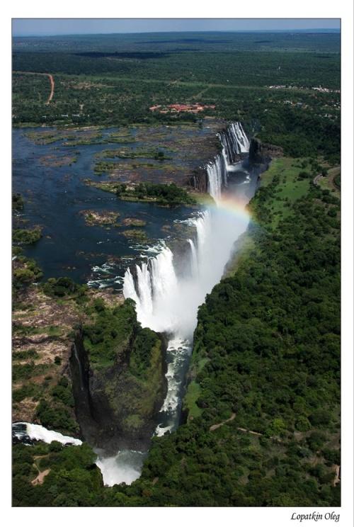 Вид на водопад Виктория с вертолета