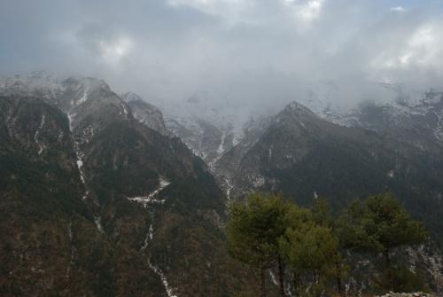 горы покрылись свежим снегом