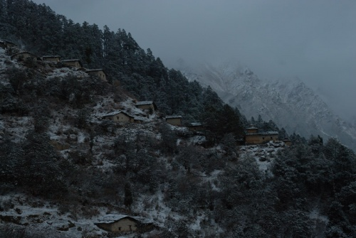 заснеженный монастырь