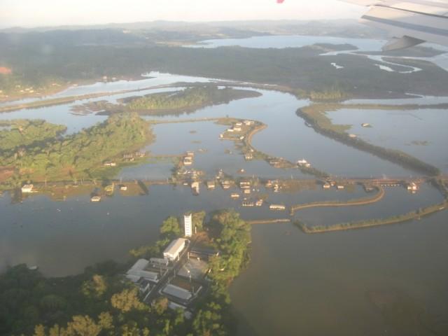 Затопленные дома (цунами???)