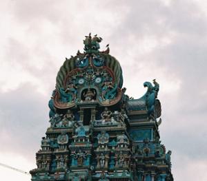 Одна из башен Храма в Мадурае
