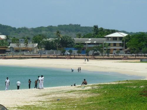 Общественный пляж в Тринко