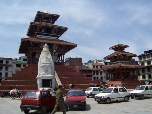 храмы на площади