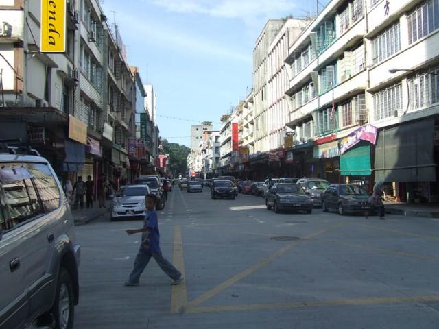 Улица Сандакана