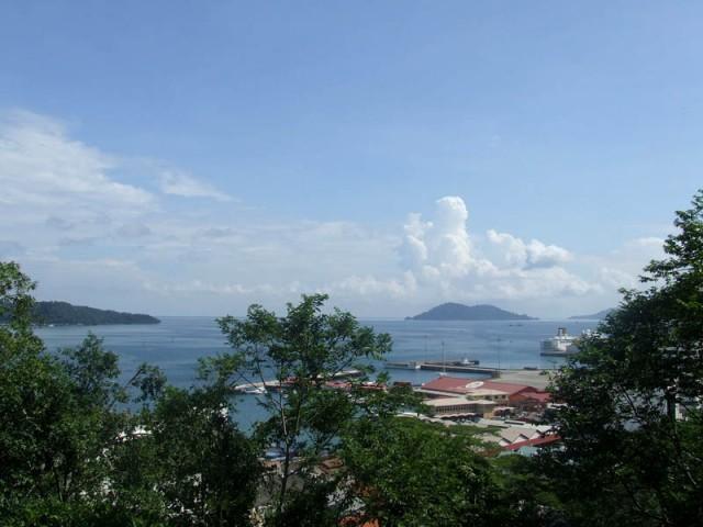 Вид на острова парка  Тунку Абдул Рахман