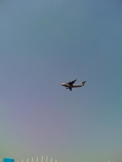 Американский самолет в воздухе