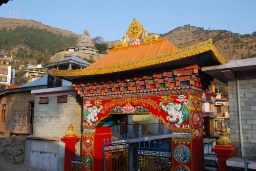 ворота в монастырь