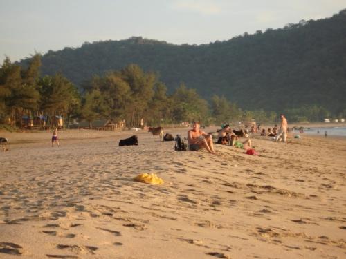 даже люди появились. за весь день 5 человек видели на пляже..