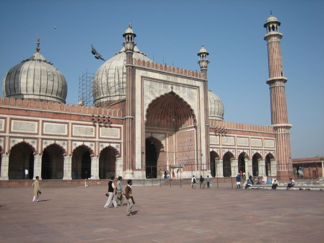 Мечеть Джама Масджид - одна из крупнейших в мире