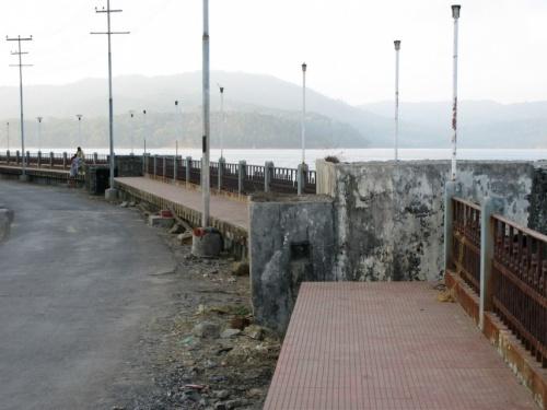 Пара бункеров на набережной Феникс
