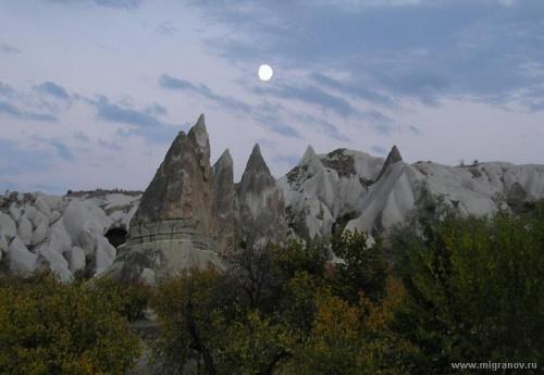 Лунная ночь в Каппадокии