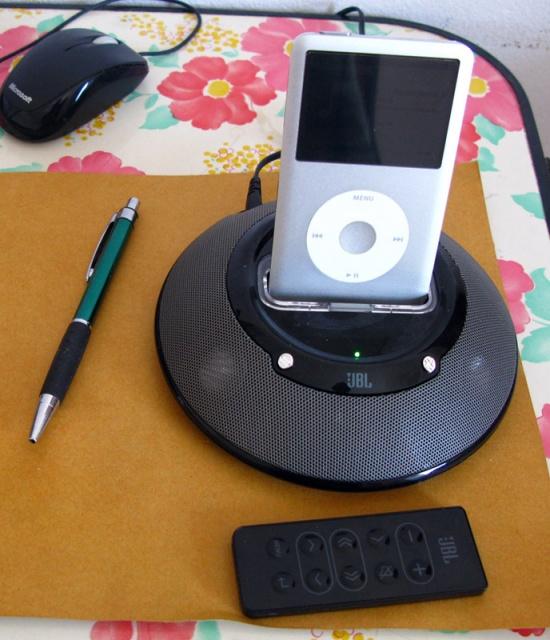iPod + колонки JBL