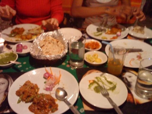 Еда в ресторане  Chandini Chawk