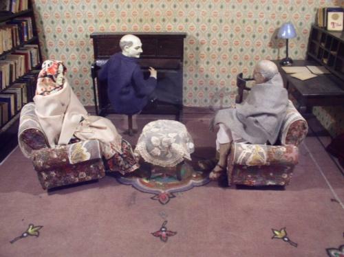 Встреча Ганди с Р. Роланом (поделки в музее Ганди в Мумбае... иначе не назовешь)