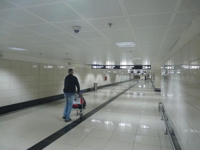 Тоннель от аэропорта в метро