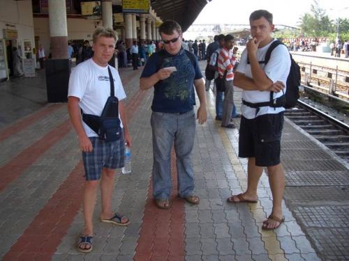 Это мы на плагформе Мадгаон (Маргао) ждем поезда в Гокарну