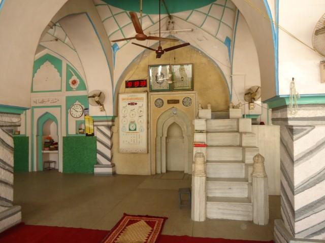 главный молитвенный зал Калан Масджид