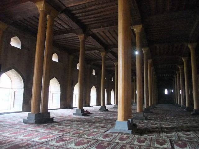 Внутри Джамма Мечети