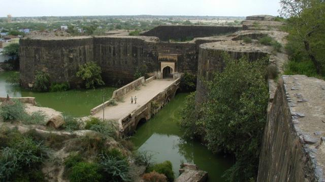 Крепость в Диге