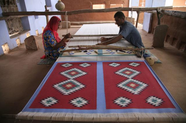 Изготовление ковра-дхури