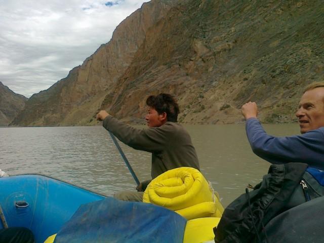Такой вот рафтинг за место Pin River озеро
