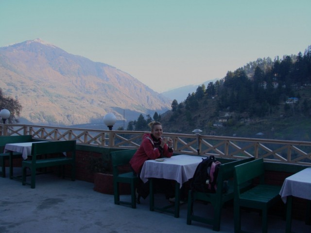 завтрак на крыше Рагини