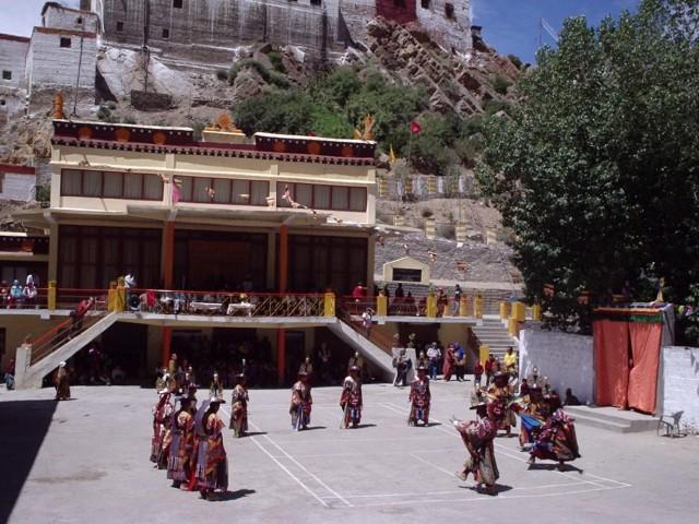 Монастырь Ки
