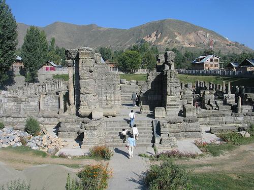Храм Авантисвами