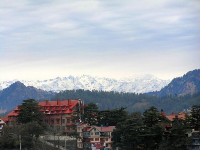 Гималаи вдалеке