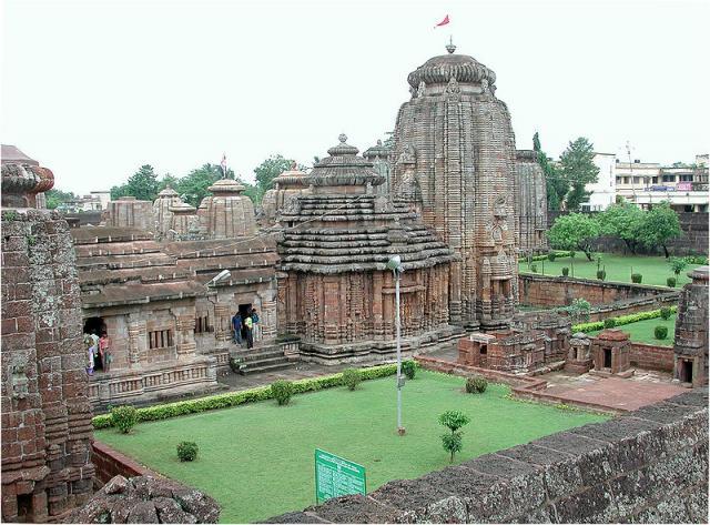 Храм Лингарадж в Бхубанешваре