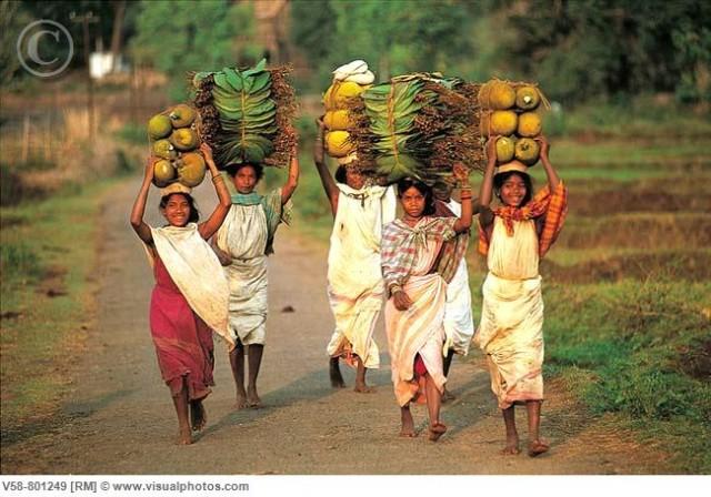 Аборигенки на рынке в Чатиконе