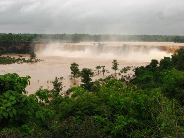 Водопад Читракот
