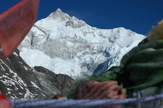 Вид на Каченджангу с перевала Гоече Ла, 4940 метров