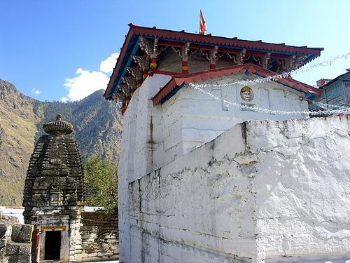 Храм Нрисимхи в Джошиматхе