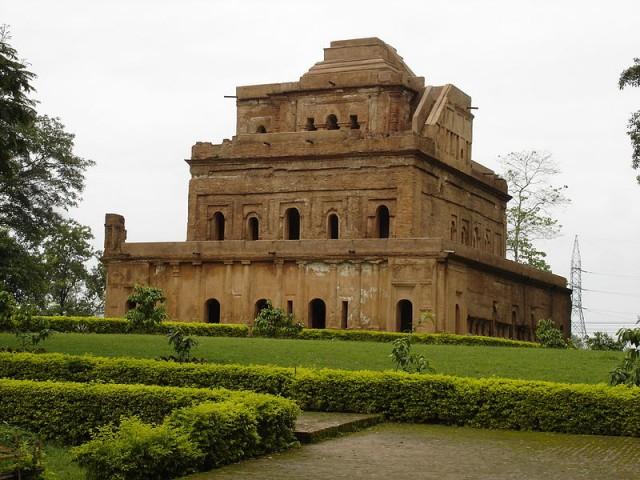 Дворец Каренгхар