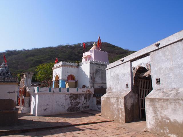 Монастырь Тхан