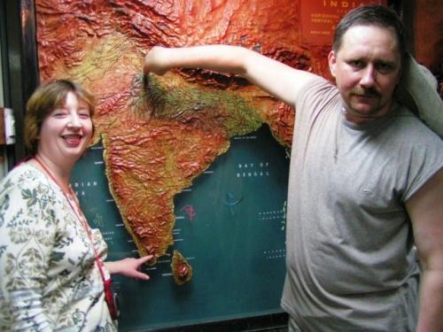 Потти и Скрипка изучили карту Индии