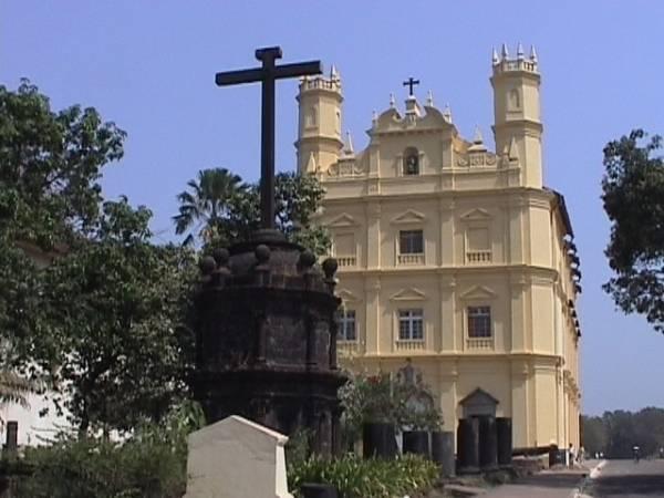 Португальская церковь в Старом Гоа