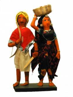 Куклы индийской пары в народной одежде