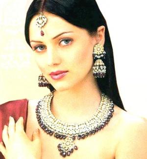 Традиционные индийские украшения придают женщине особый шик