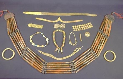 Украшения из древних индийских городов Хараппа и Мохенджодаро (ок. 2500 лет до н.э.)