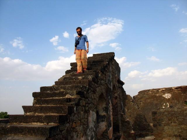 Манду. Лестница в небо