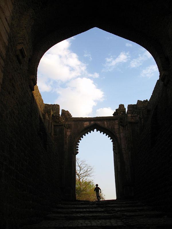 Манду. Ворота Дели