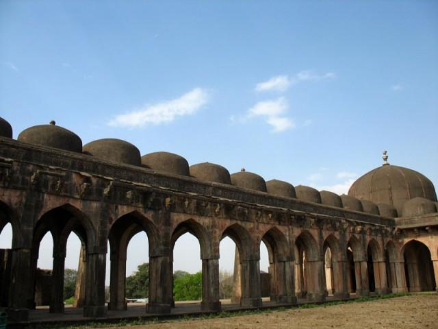 Манду. Мечеть Джами Масджит. Купола