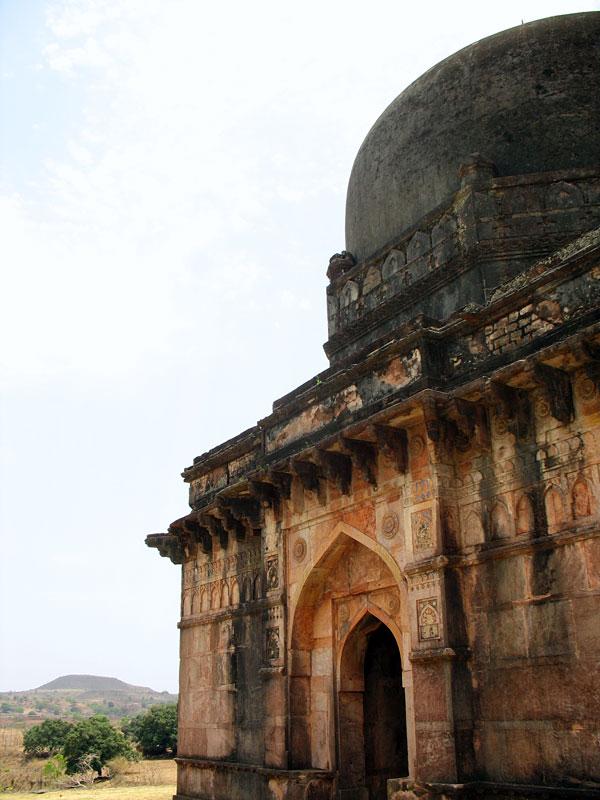 Манду. Гробница Даи-ки-Чхоти-Бахан-ка-Махал