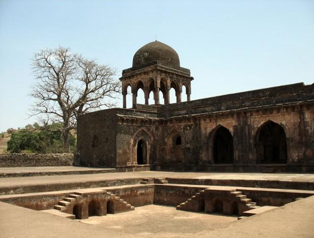 Манду. Дворец правителя База Бахадура (того самого)