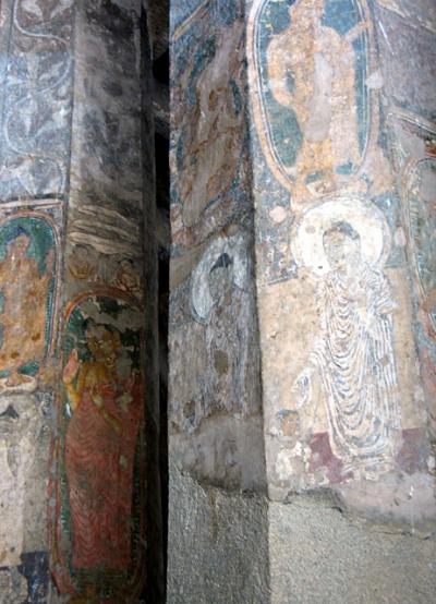 Аджанта. Когда-то эти колонны покрывали прекрасные фрески